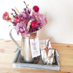 Arreglo Floral Jarrita_malvas_Pack Mama_2