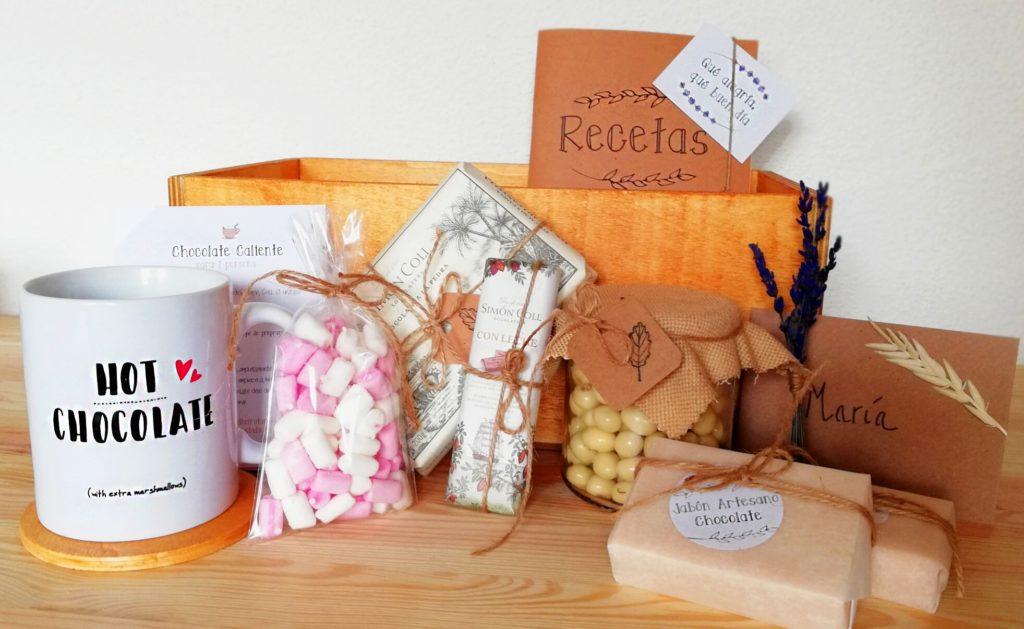 PackRegaloChocolate_ Amantes del chocolate: Cajita de madera con diferentes elementos de chocolate