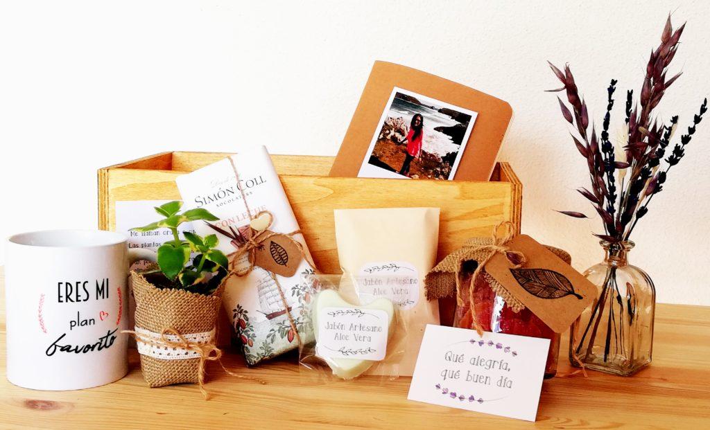PackRegaloPersonaEspecial. Cajita de Madera con productos hechos a mano . DEtalles y personalizacion