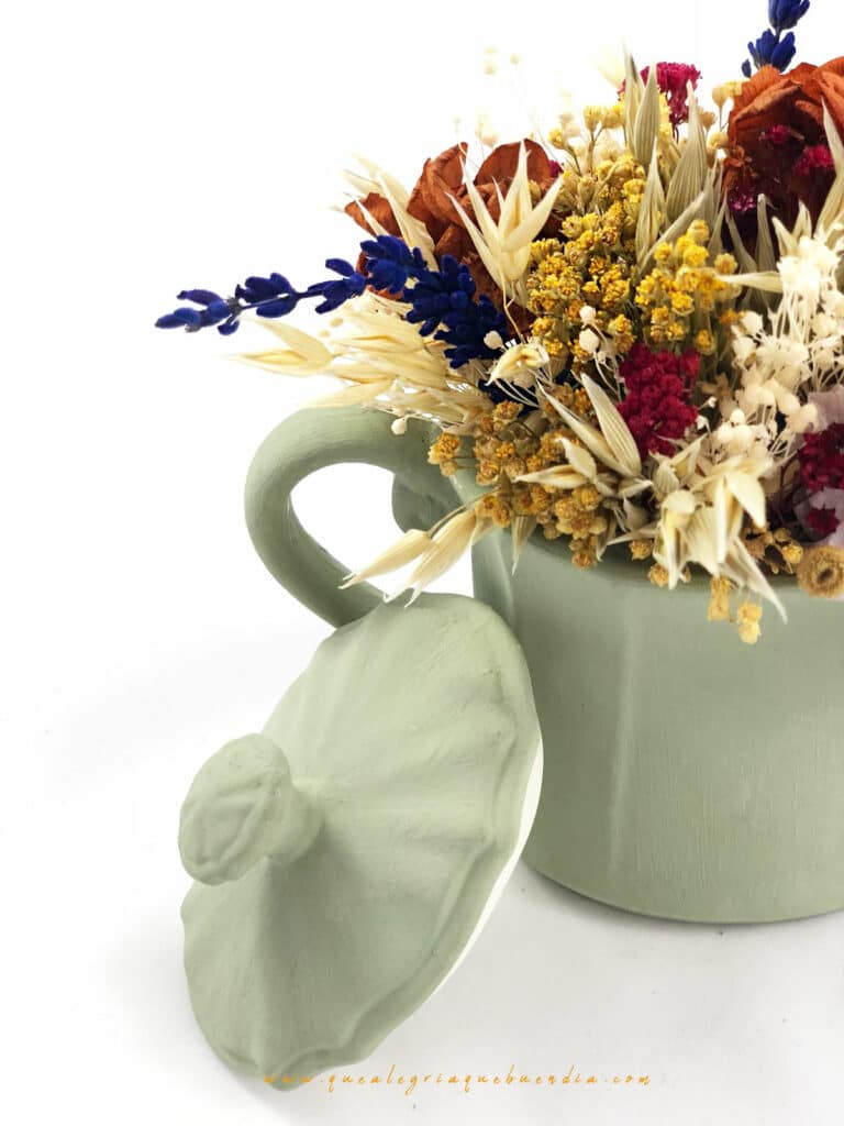 Flores Preservadas en azucarero de ceramica pintado a mano. varios tonos