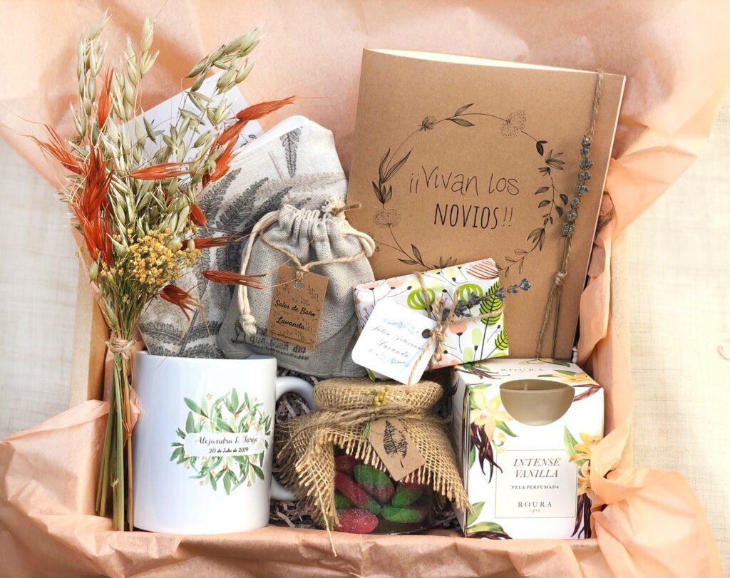 Pack regalo para novias que se van a casar, esta compuesto por diferentes productos