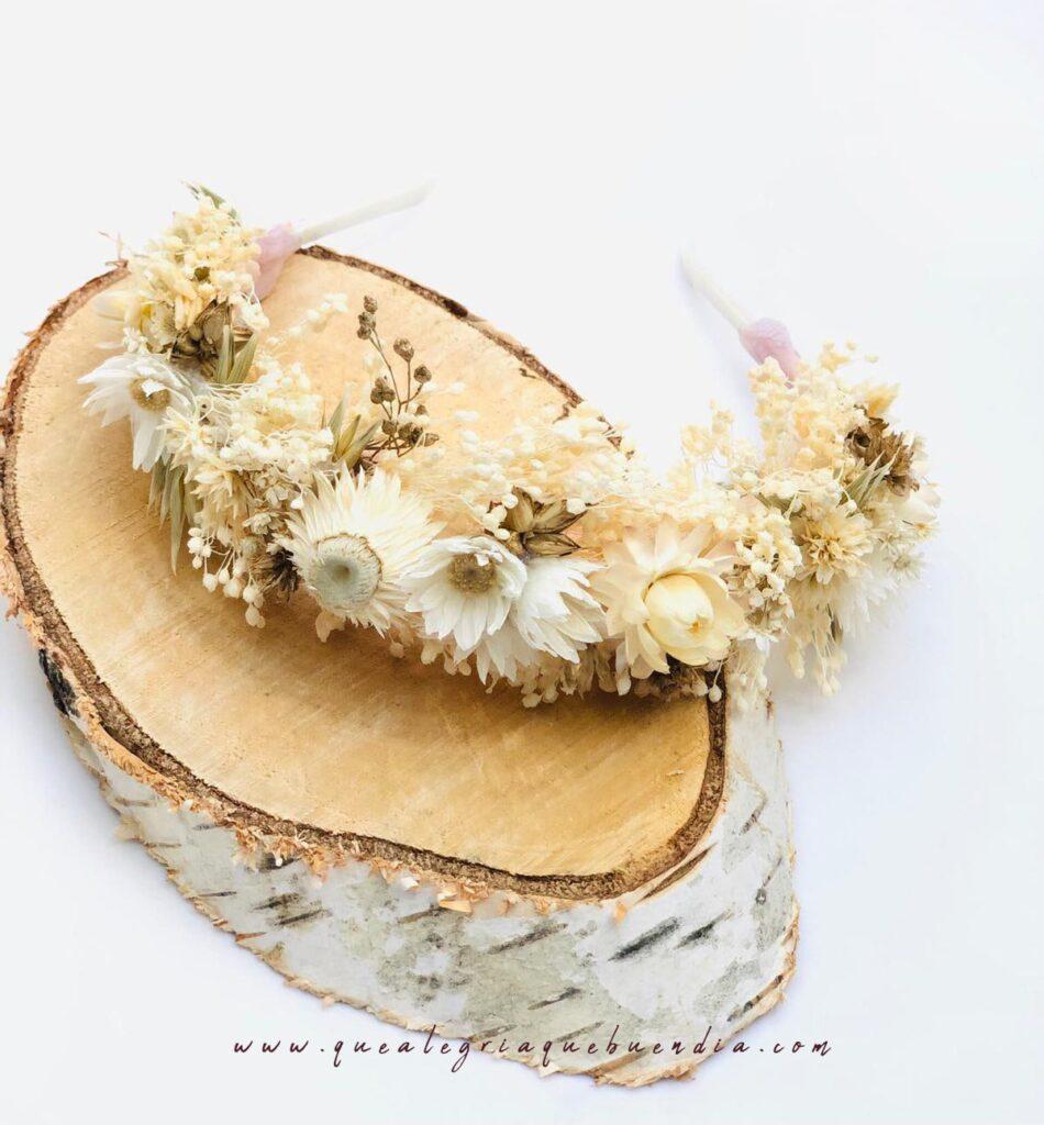 DIADEMA tocado flor preservada para comunion boda en tonos blancos y crema