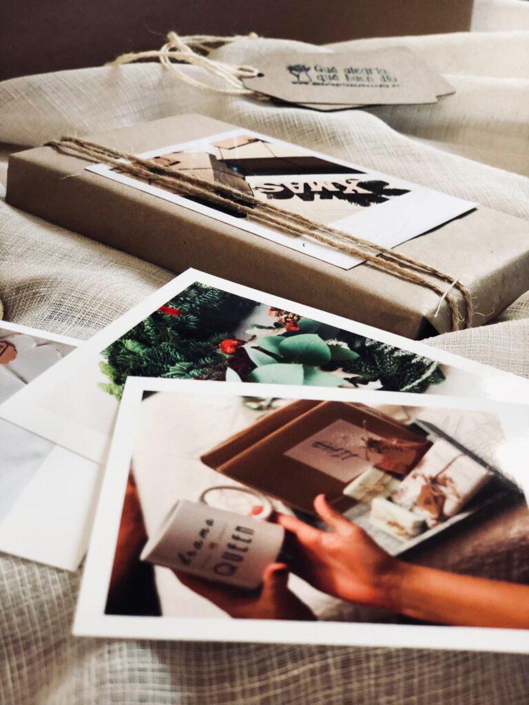 Primera Propuesta: Recuerdos Fotograficos como una idea para envolver tus regalos
