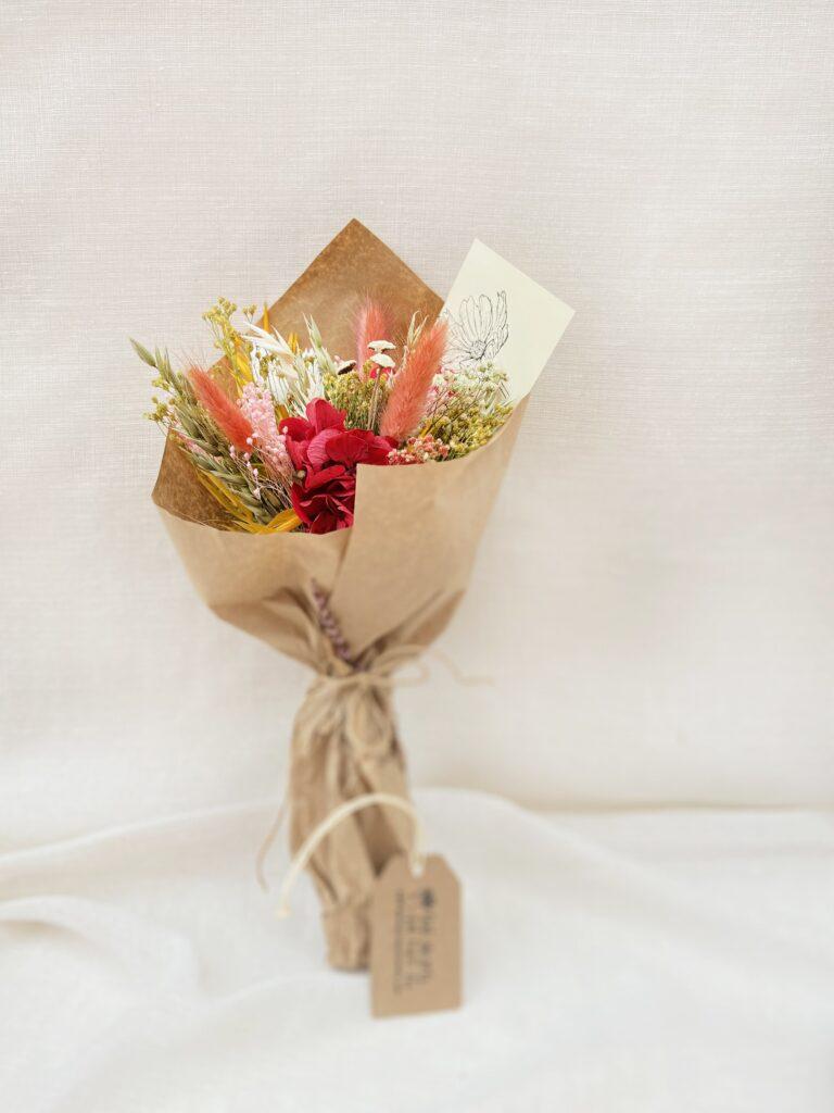 Ramito de Flores Preservadas Tonalidades rosadas, naranjas y amarillas. Ramito Silvestre Noa