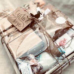Pack regalo ideal para regalar a unos padres que acaban de tener un hijo y que guarden un recuerdo de este momento