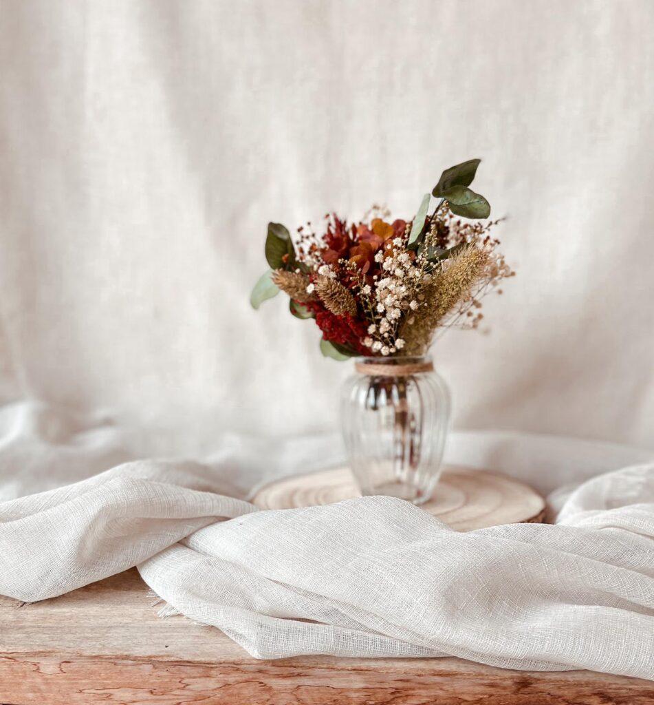 Pack Regalo Centro Floral Mini en tonos granates blancos verdes y tostados