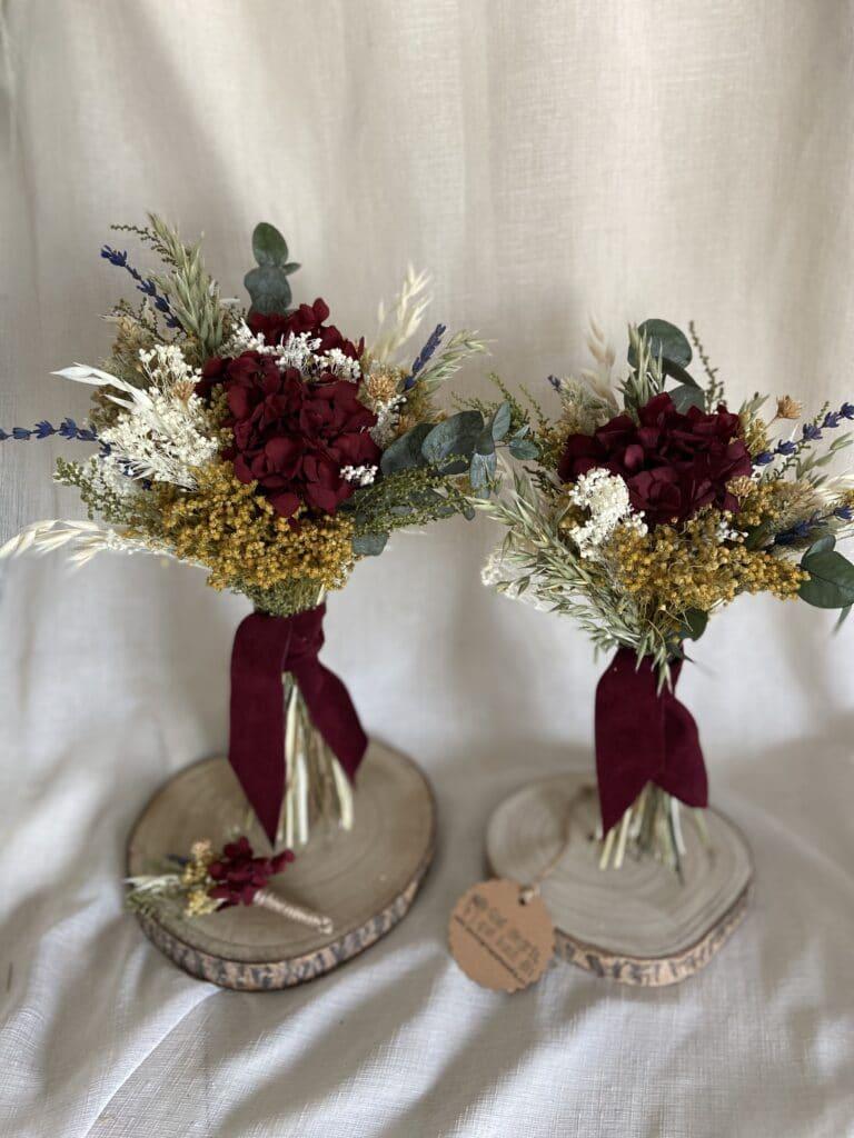 Ramo de novia flores preservadas en tonos granates Y replica de ramo de novia