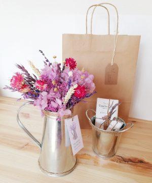 Arreglo Floral Jarrita_malvas_Pack Mama_2.1