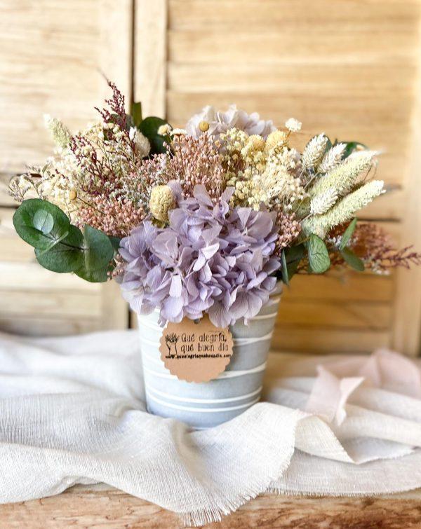 Centro de Flores Preservadas María en tonos malvas, rosados, blancos, cremas y verdes