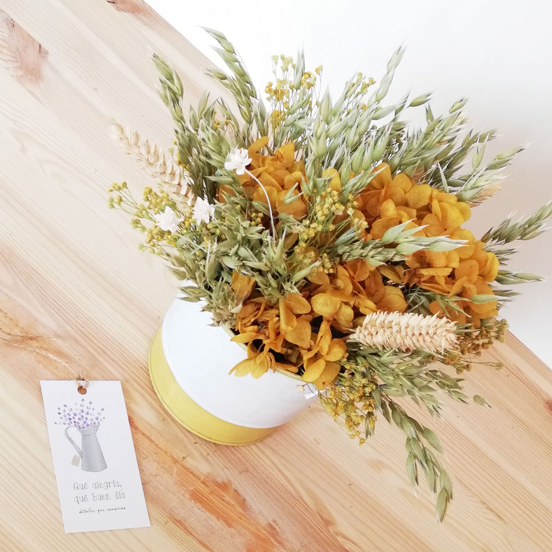 Arreglo Floral en cubo zinc. Pack Mama_1