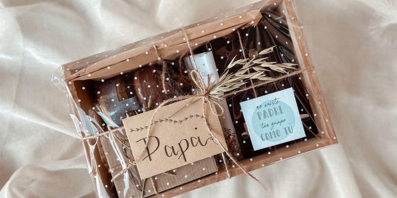 Pack Regalo Super Papa con taza, chocolates, productos gourmet en cajita de madera