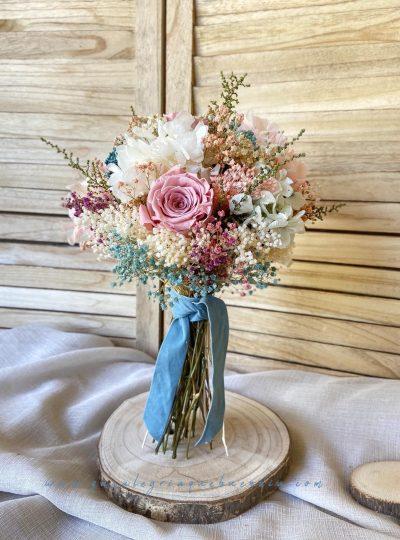 Ramo de Novia en tonos pasteles con flores preservadas. Estilo delicado y elegante