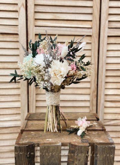 Ramo de Novia en tonos pasteles con flores preservadas. Estilo delicado y más silvestre